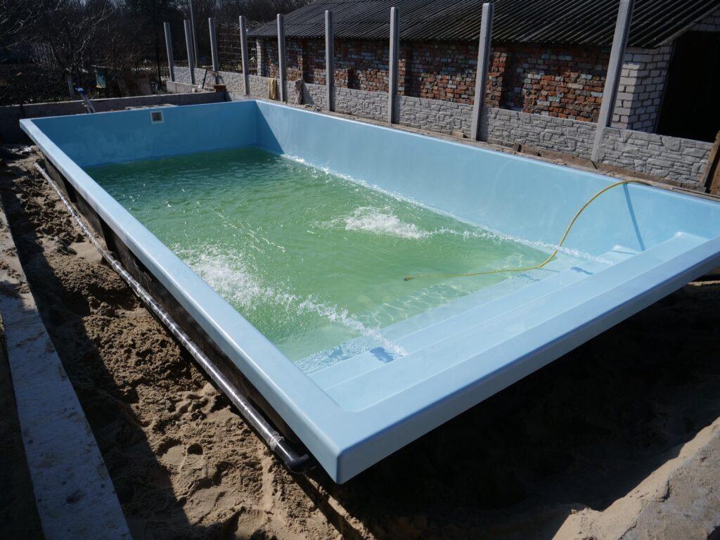 Композитный бассейн в городе Днепр
