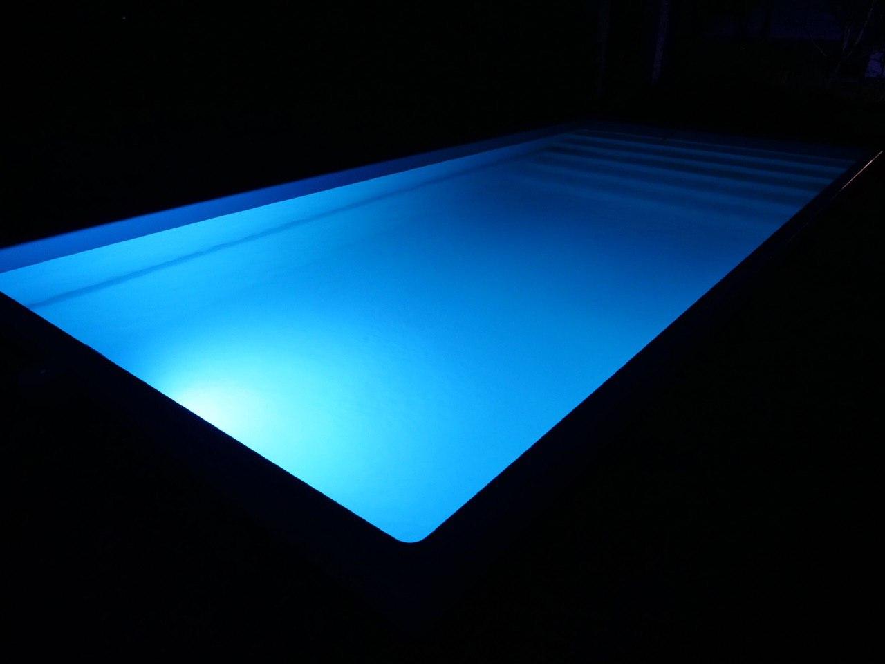 Светодиодная подсветка бассейна