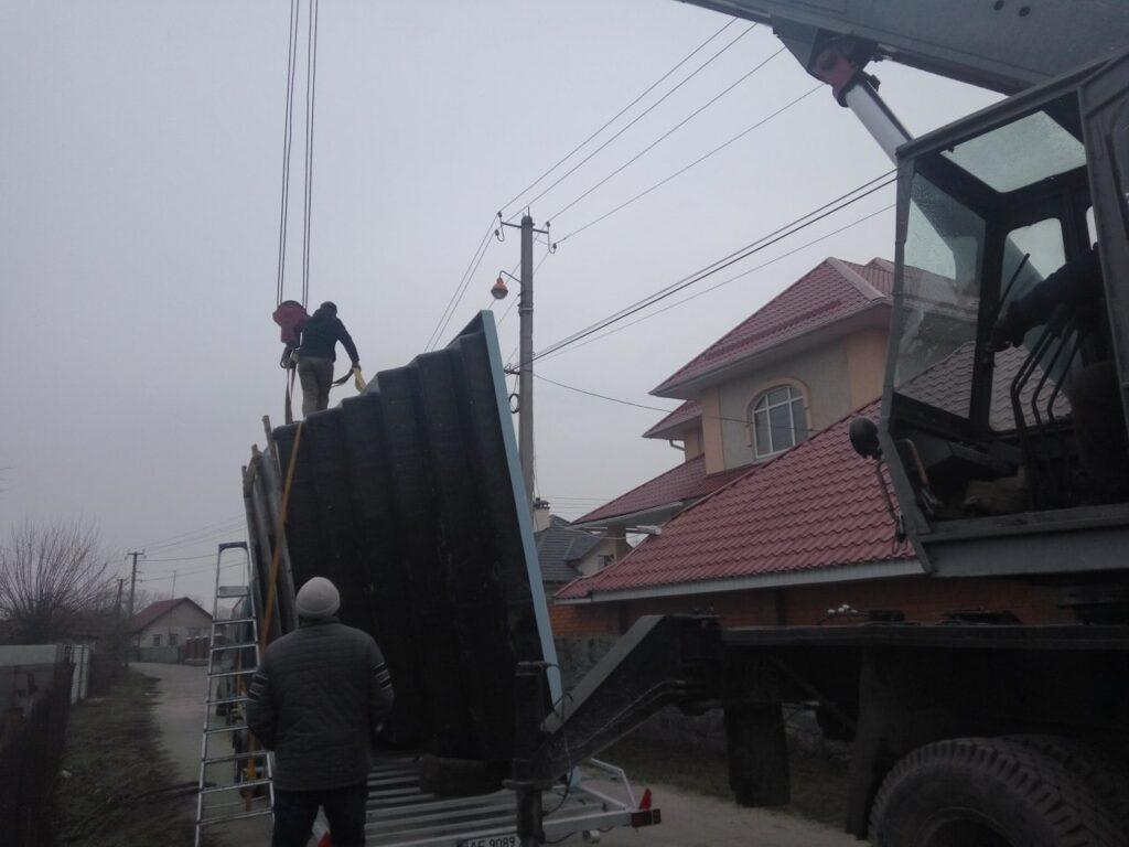 Доставка композитного бассейна в Днепр
