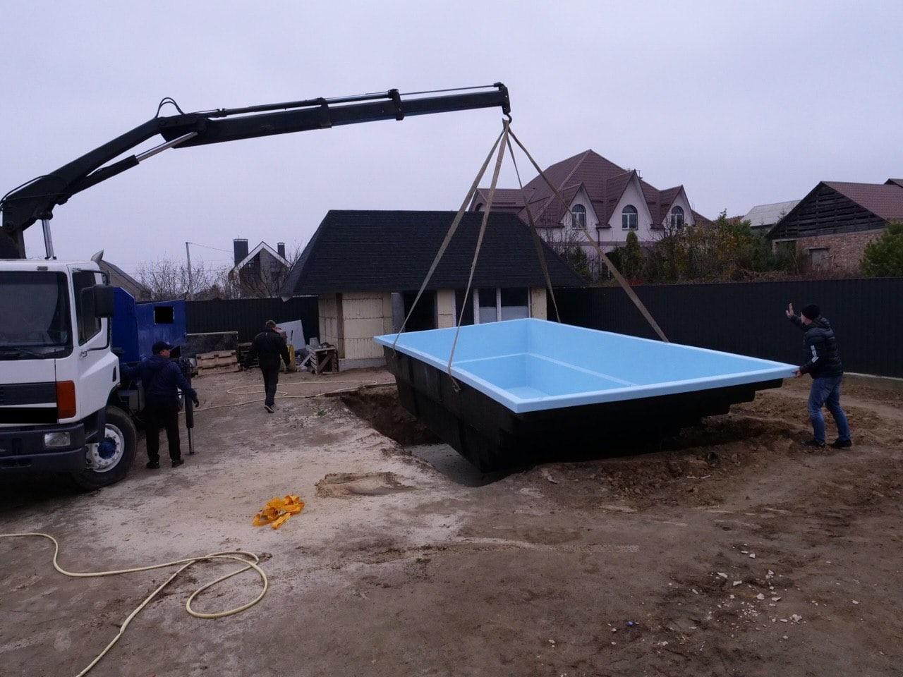 Установка композитного бассейна в Киеве