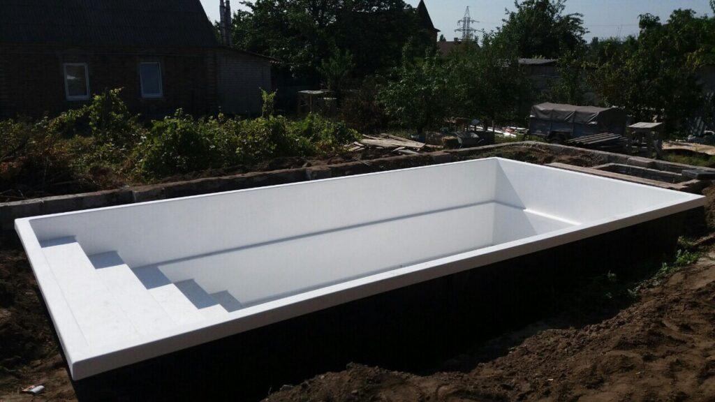 Композитный бассейн в городе Запорожье