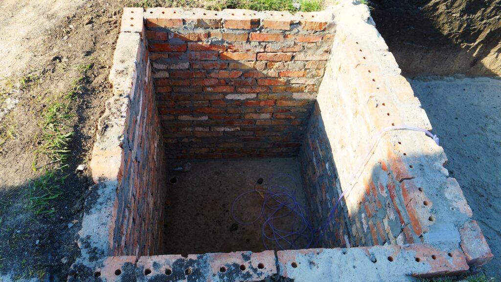 Приямок для оборудования под композитный бассейн