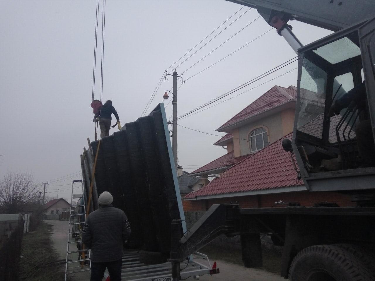Доставка композитного басейну в Київ